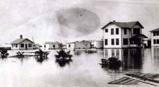 historical picture of the devasting 1928 hurrican that hit Florida