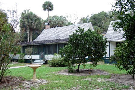 Marjoie Rawlings original cracker home where she wrote the Yearling in Cross Creek Florida